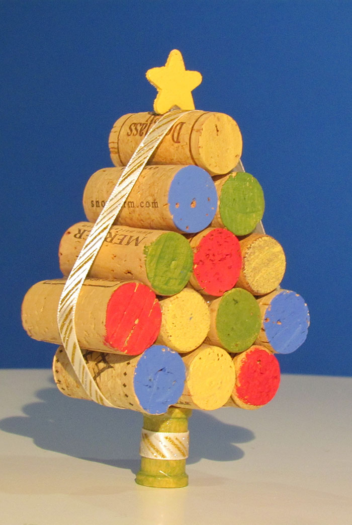 Make your own Rustic Christmas Tree craft out of corks!