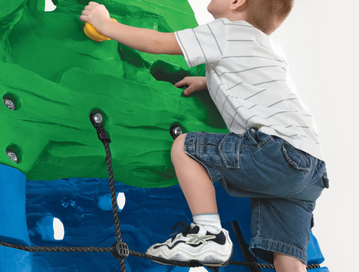 indoor obstacle course for kids climbing