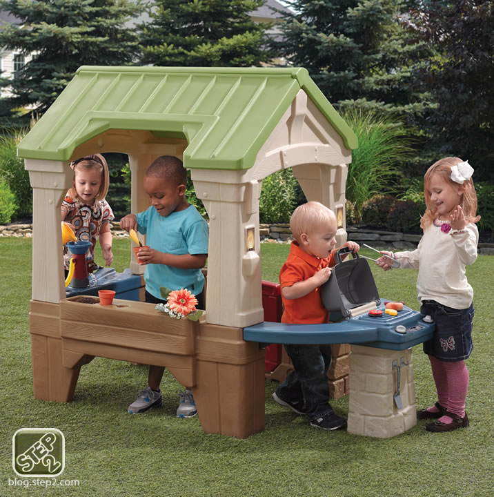 step2-great-outdoors-playhouse